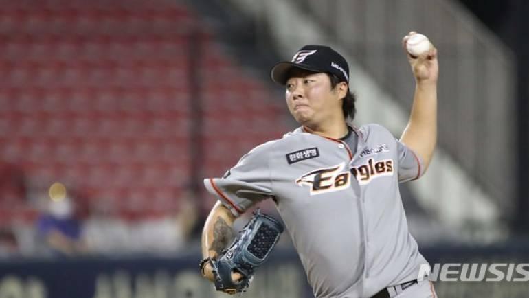 한화 김범수, 두산전 3⅓이닝 1실점…투혼의 57구